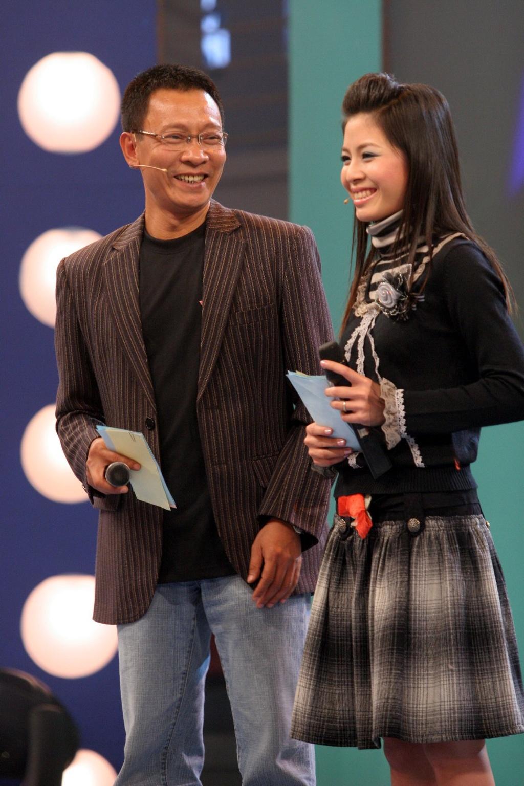 Hinh anh MC Lai Van Sam, Hoang Linh dan Chung toi la chien si tu 2006 hinh anh 4 null