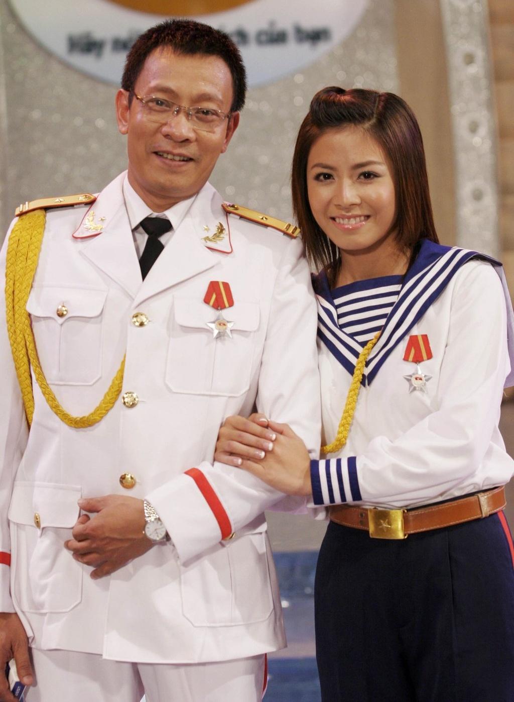 Hinh anh MC Lai Van Sam, Hoang Linh dan Chung toi la chien si tu 2006 hinh anh 9 null