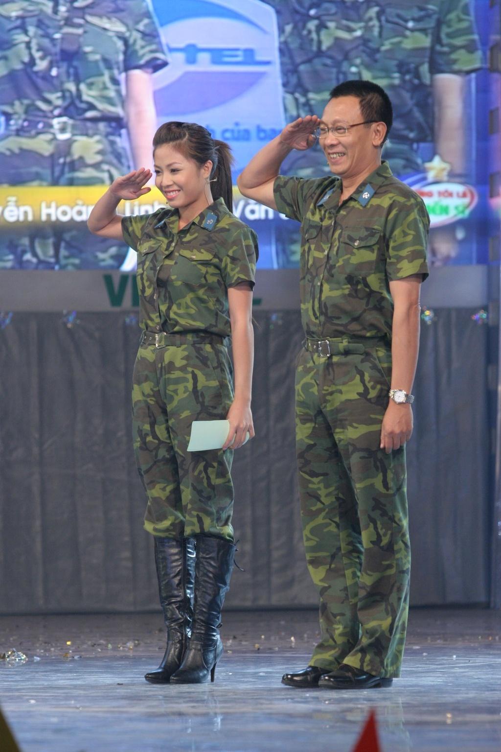 Hinh anh MC Lai Van Sam, Hoang Linh dan Chung toi la chien si tu 2006 hinh anh 11 null
