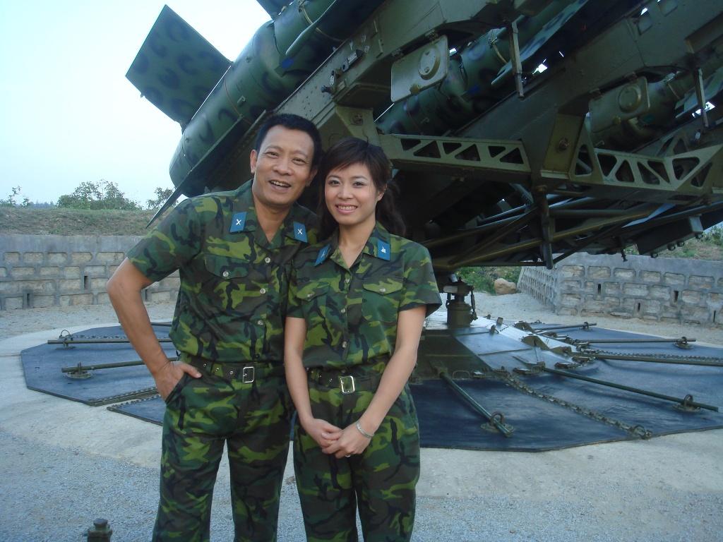 Hinh anh MC Lai Van Sam, Hoang Linh dan Chung toi la chien si tu 2006 hinh anh 12 null