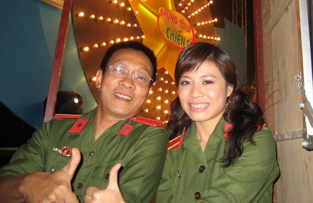 Hinh anh MC Lai Van Sam, Hoang Linh dan Chung toi la chien si tu 2006 hinh anh 2