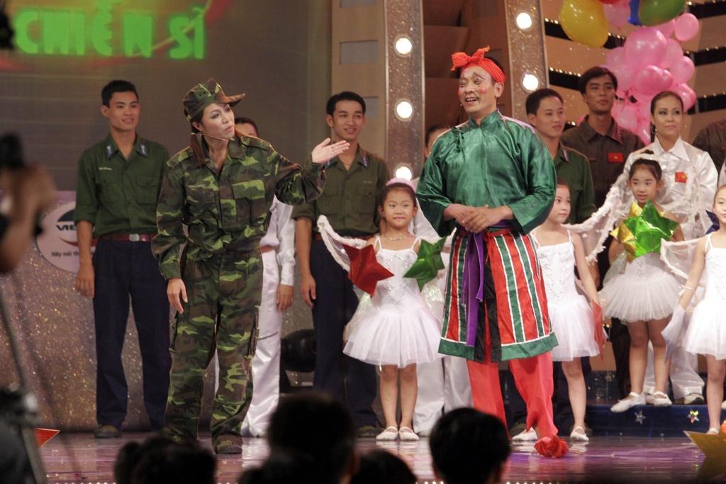 Hinh anh MC Lai Van Sam, Hoang Linh dan Chung toi la chien si tu 2006 hinh anh 14