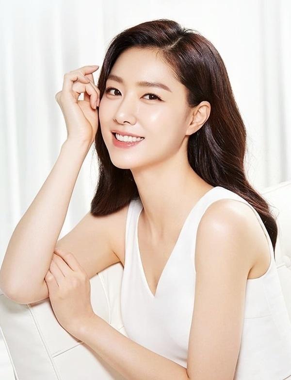 Seo Ji Hye - my nhan co su nghiep lan dan cua 'Ha canh noi anh' hinh anh 7 74642758_443491493260696_1307783630869214641_n_1581653330_680x0.jpg