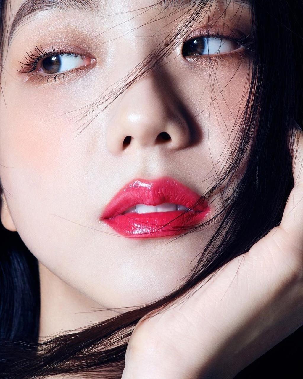 Bo anh khien Ji Soo (Black Pink) duoc vi dep nhu hoa hau hinh anh 2 85eb303c9c1ea0b92067302fbc074464.jpg