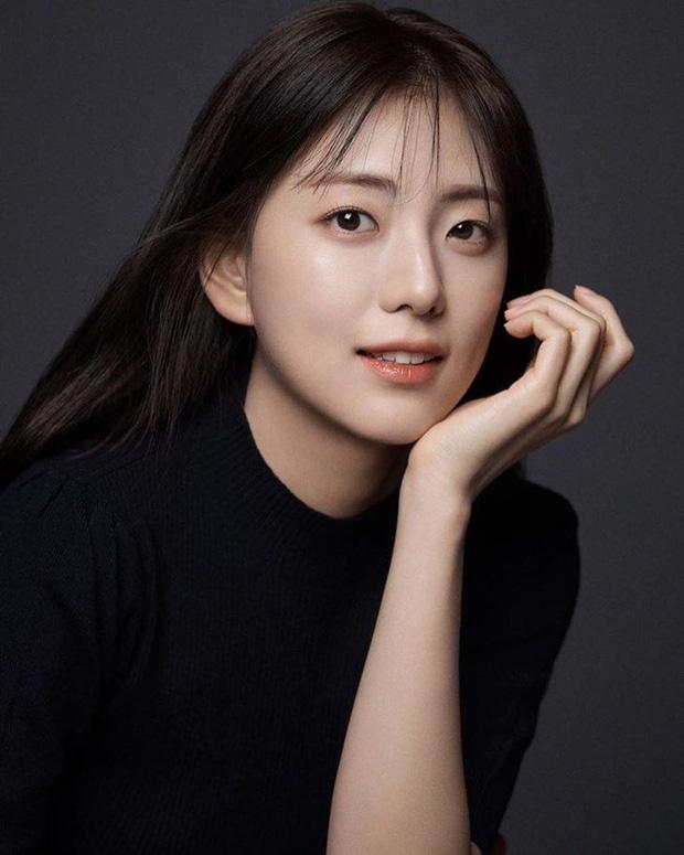 Chi gai Ji Soo (Black Pink) so huu ve ngoai giong my nu Han Hyo Joo hinh anh 6 9178778710032562701271088327691413688942592o_1585486802027407113329.jpg