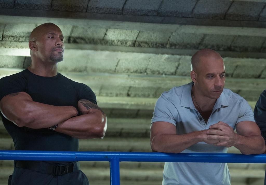 Vin Diesel va The Rock - co hoi nao cho cai bat tay sau lan cach mat? hinh anh 4