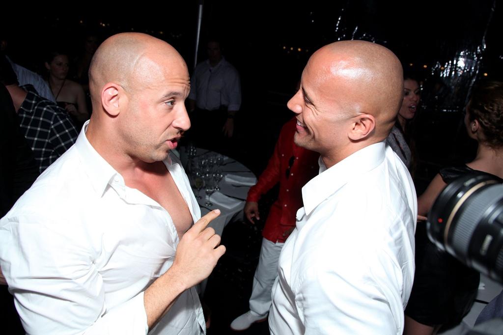 Vin Diesel va The Rock - co hoi nao cho cai bat tay sau lan cach mat? hinh anh 5