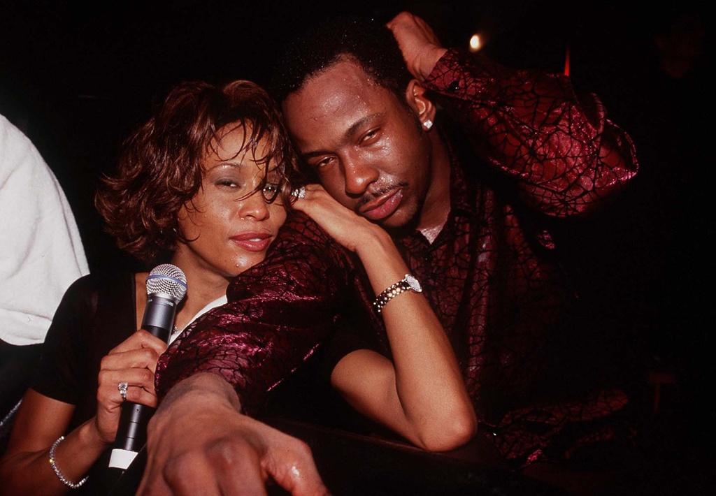 Whitney Houston - diva doan menh va nhung cai chet tre trong gia dinh hinh anh 3 whitney_bobby.jpg