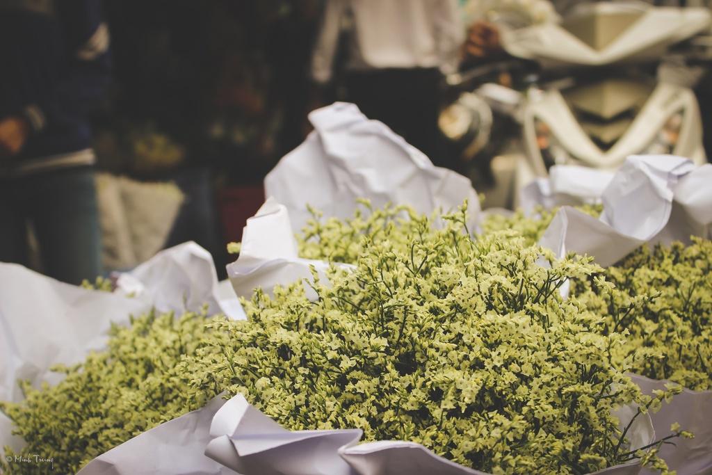 Sac mau binh di tai cho hoa lon nhat Sai Gon hinh anh 5