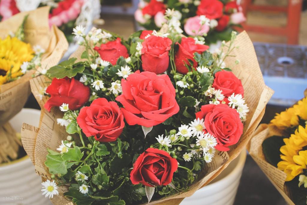 Sac mau binh di tai cho hoa lon nhat Sai Gon hinh anh 17