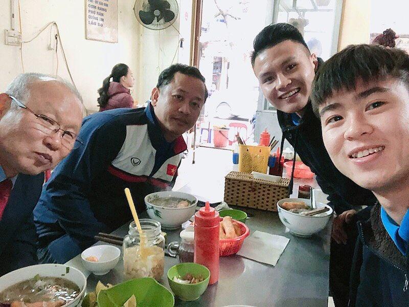 Những món ăn Việt Nam được HLV Park Hang-seo yêu thích - Ảnh 4.