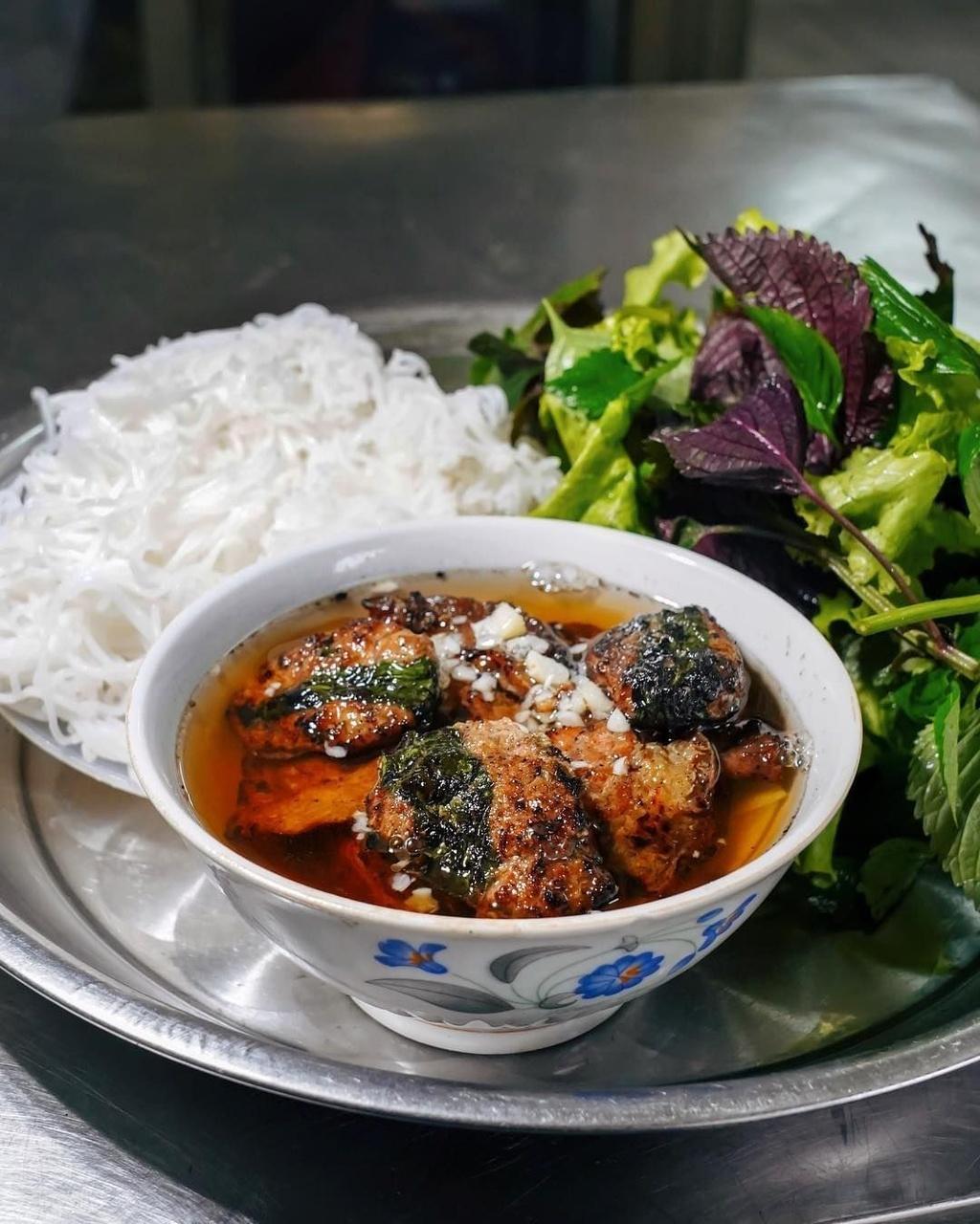 Những món ăn Việt Nam được HLV Park Hang-seo yêu thích - Ảnh 2.