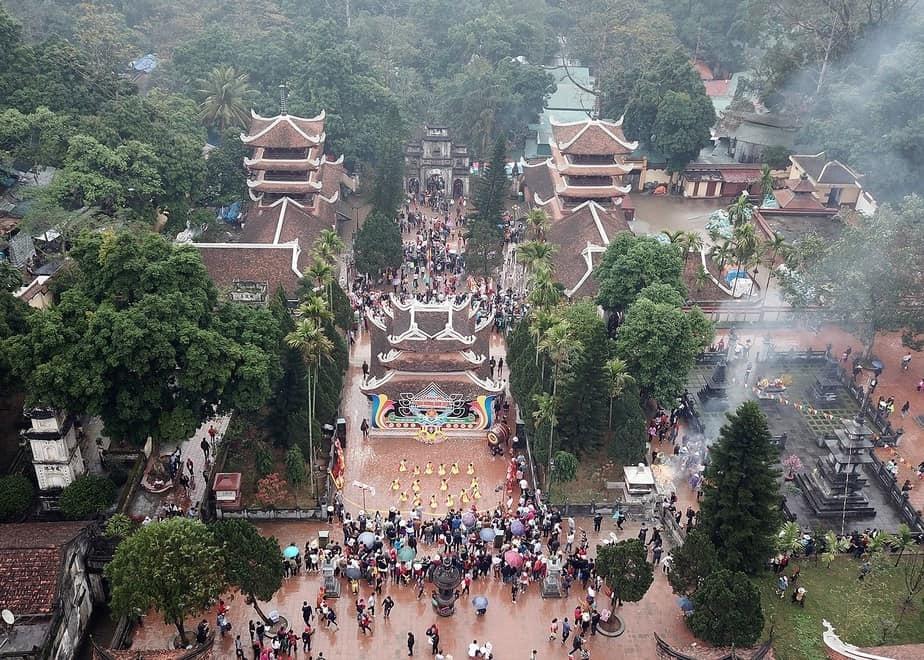 Chua Huong vang khach dip dau nam hinh anh 2 1552278511546_1018482.jpg