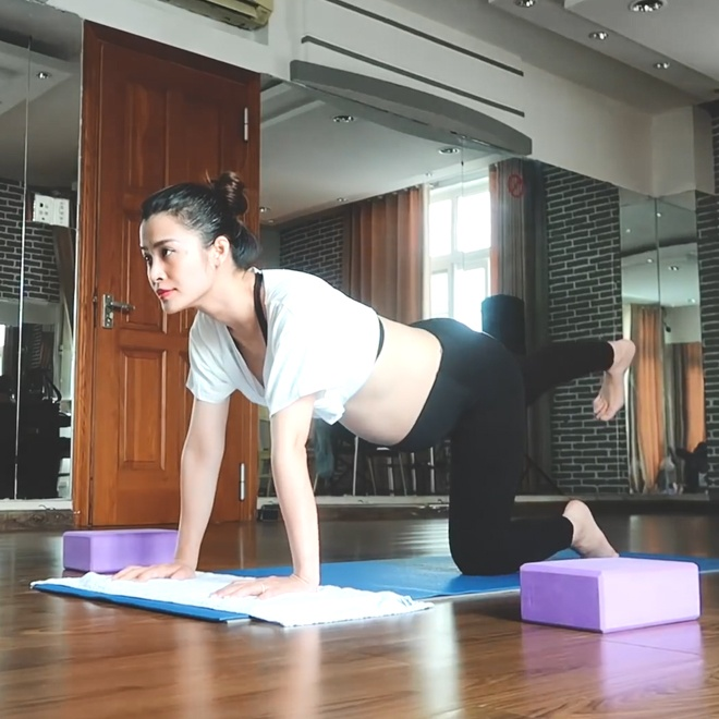 Dong Nhi cham tap yoga anh 4