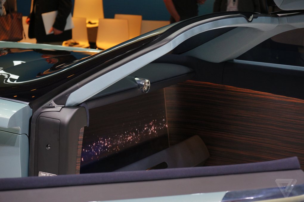 Rolls-Royce Vision 100 - y tuong 'du thuyen mat dat' hinh anh 9