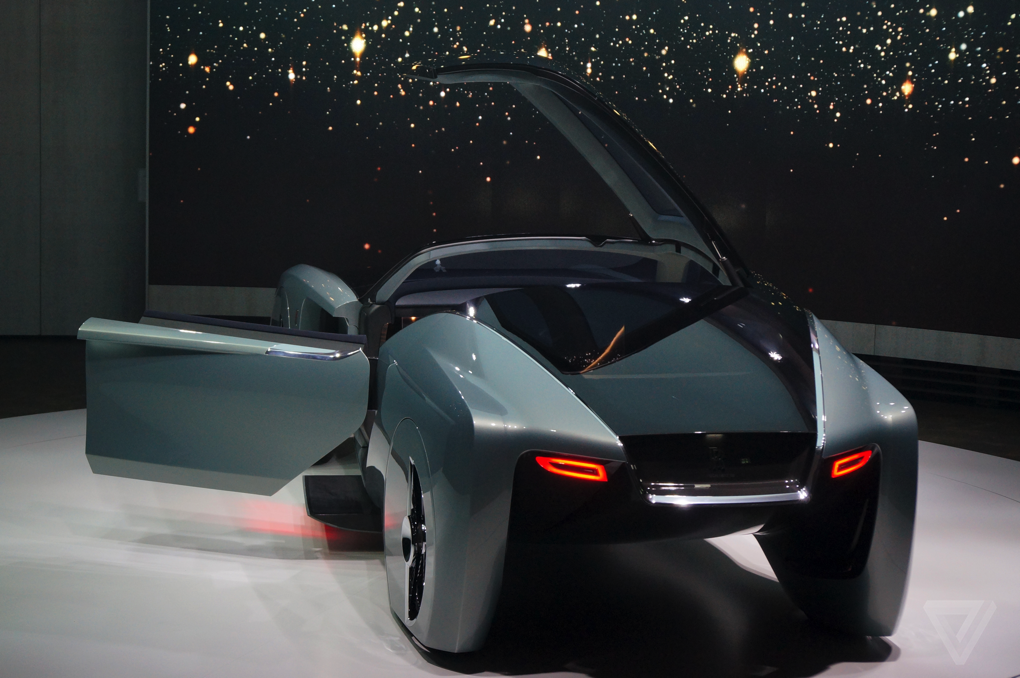 Rolls-Royce Vision 100 - y tuong 'du thuyen mat dat' hinh anh 4