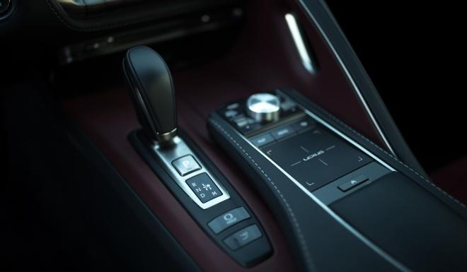 Lexus LC500 2017 khoe dang duoi hoang hon hinh anh 9
