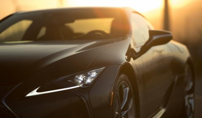 Lexus LC500 2017 khoe dang duoi hoang hon hinh anh 3