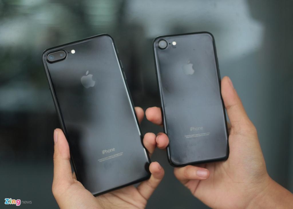 Bo doi iPhone 7 Jet Black tai Viet Nam hinh anh 1