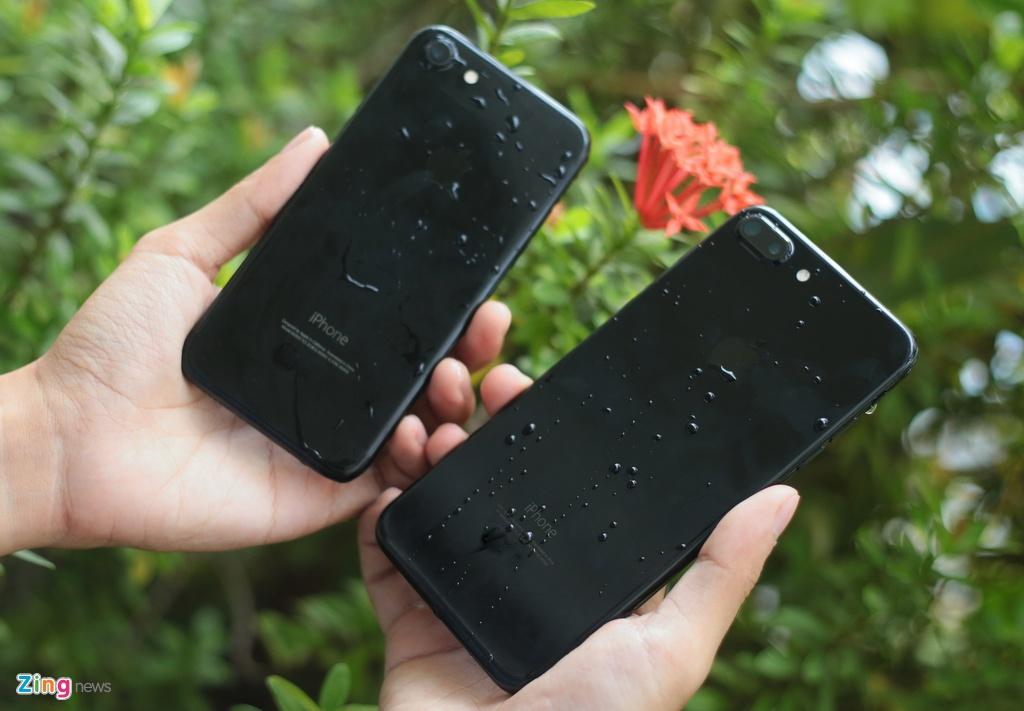 Bo doi iPhone 7 Jet Black tai Viet Nam hinh anh 13