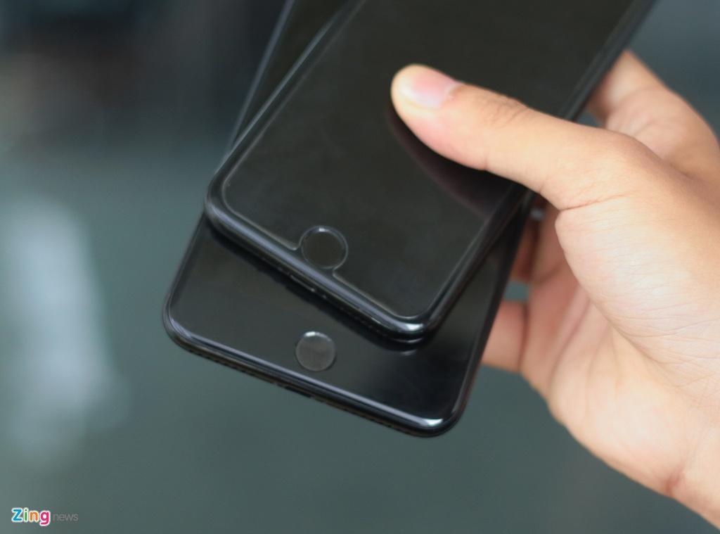 Bo doi iPhone 7 Jet Black tai Viet Nam hinh anh 8