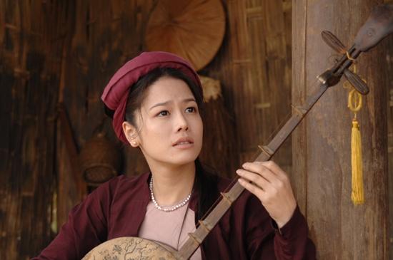 Nhung tranh cai quanh chuyen vay ao trong phim co trang Viet hinh anh 8