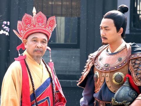 Nhung tranh cai quanh chuyen vay ao trong phim co trang Viet hinh anh 4