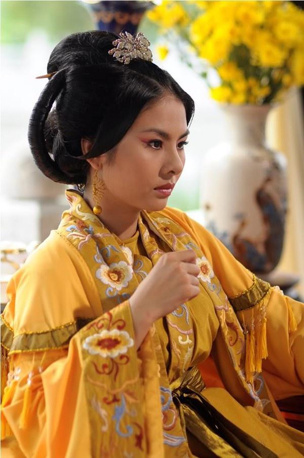 Nhung tranh cai quanh chuyen vay ao trong phim co trang Viet hinh anh 5