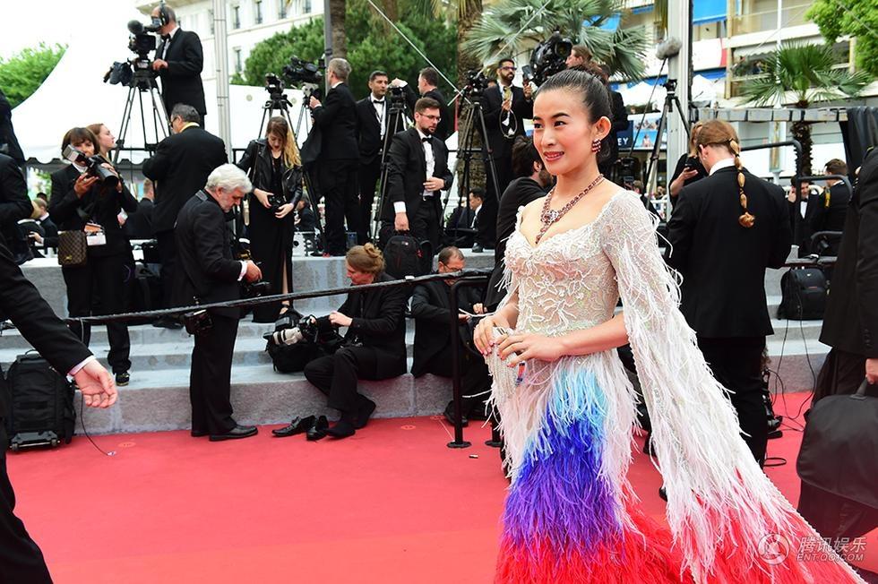 Sao nu Hoa ngu bi 'duoi kheo' ngay truoc ong kinh tai Cannes hinh anh 1