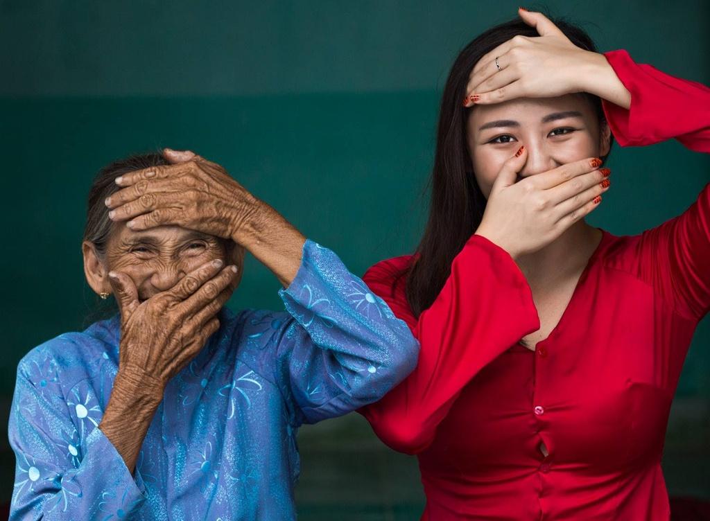 Van Mai Huong duoi ong kinh nhiep anh gia nguoi Phap anh 2