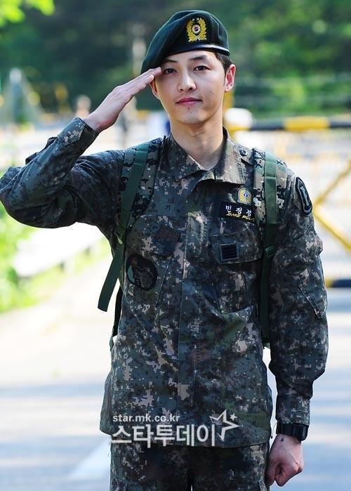 Song Hye Kyo va Song Joong Ki ket hon anh 3