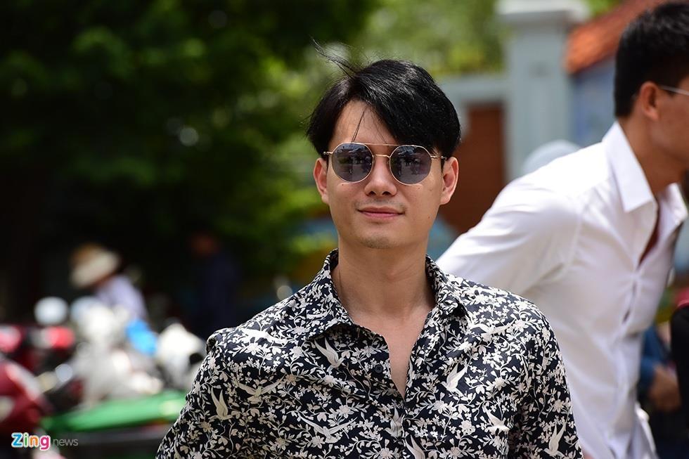 Tran Thanh, Ho Ngoc Ha toi dang huong o nha tho To cua Hoai Linh hinh anh 8