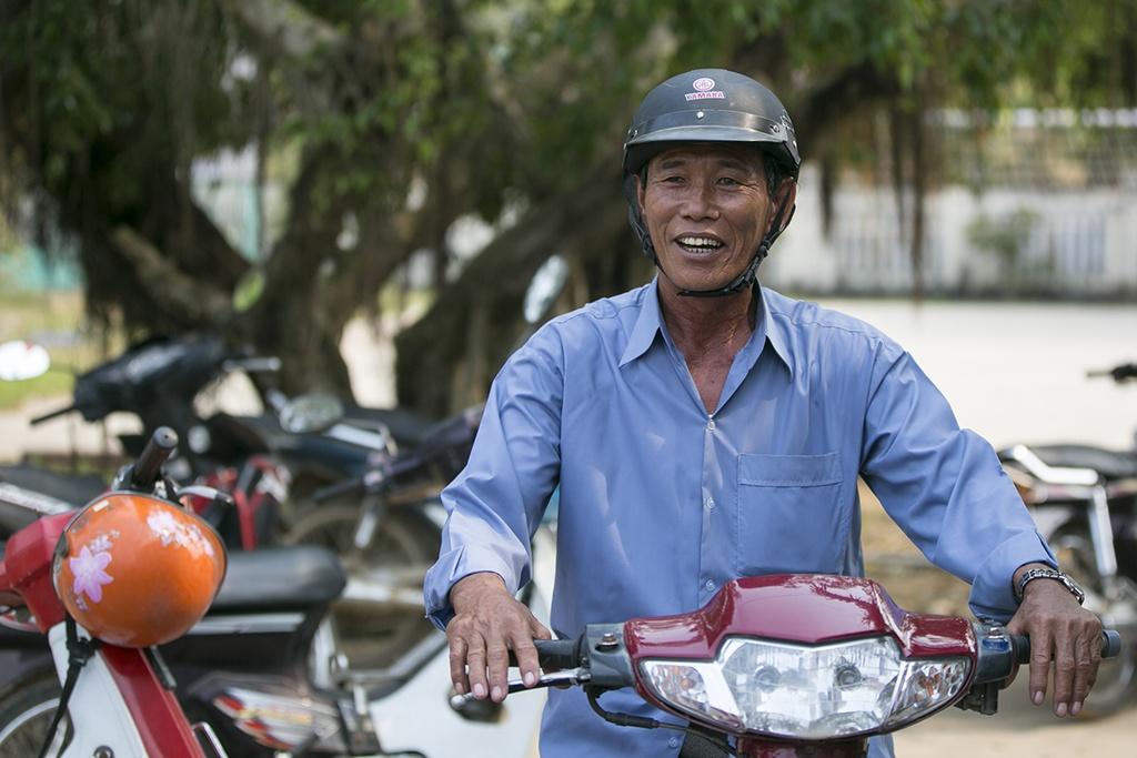 Huyen dao Ly Son: Cap doi giay phep lai xe giua bien khoi hinh anh 5