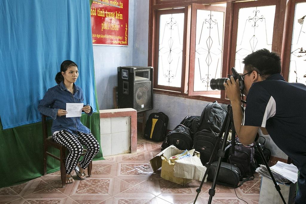 Huyen dao Ly Son: Cap doi giay phep lai xe giua bien khoi hinh anh 7