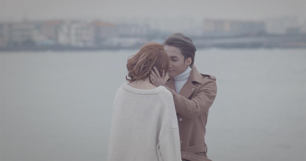 Son Tung M-TP lan toa tinh than 'di va yeu' voi MV 'gay bao' hinh anh 2