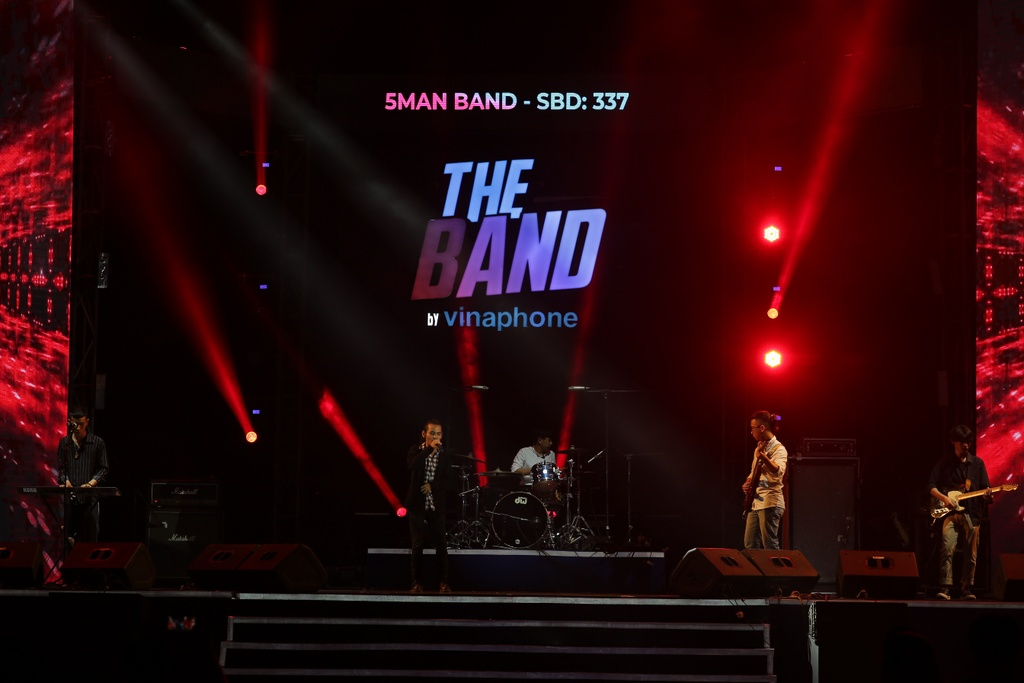 The Band by VinaPhone anh 5