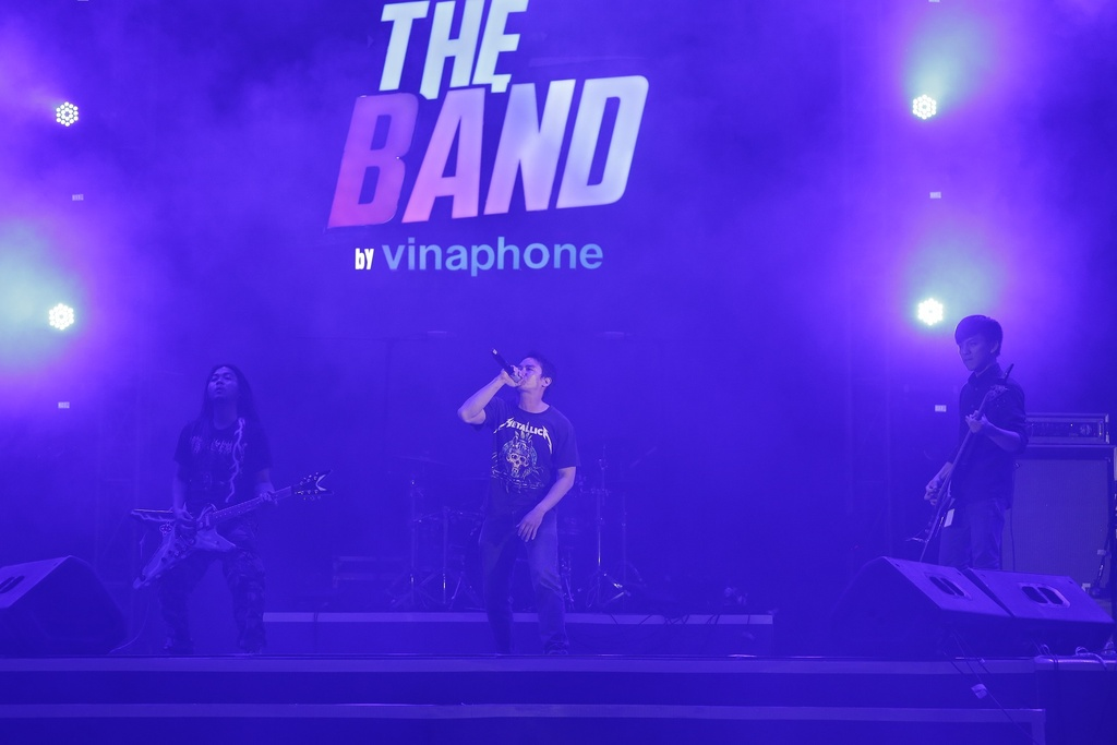 The Band by VinaPhone anh 6