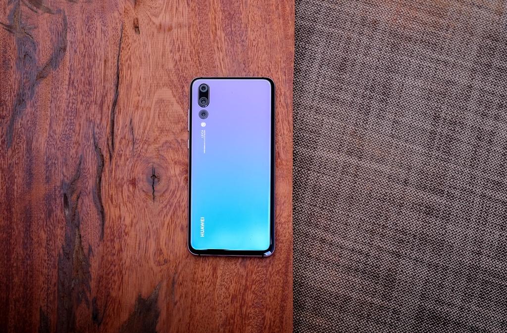 Huawei P20 Pro - mau may 'pha vo' quy tac mau sac tren di dong hinh anh 1