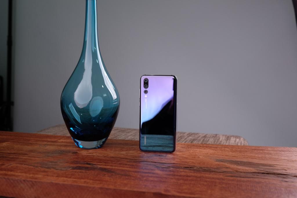 Huawei P20 Pro - mau may 'pha vo' quy tac mau sac tren di dong hinh anh 2