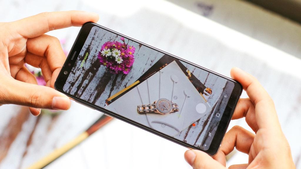Galaxy A8 Star: Mau smartphone dang chu y nhat trong series A hinh anh 5