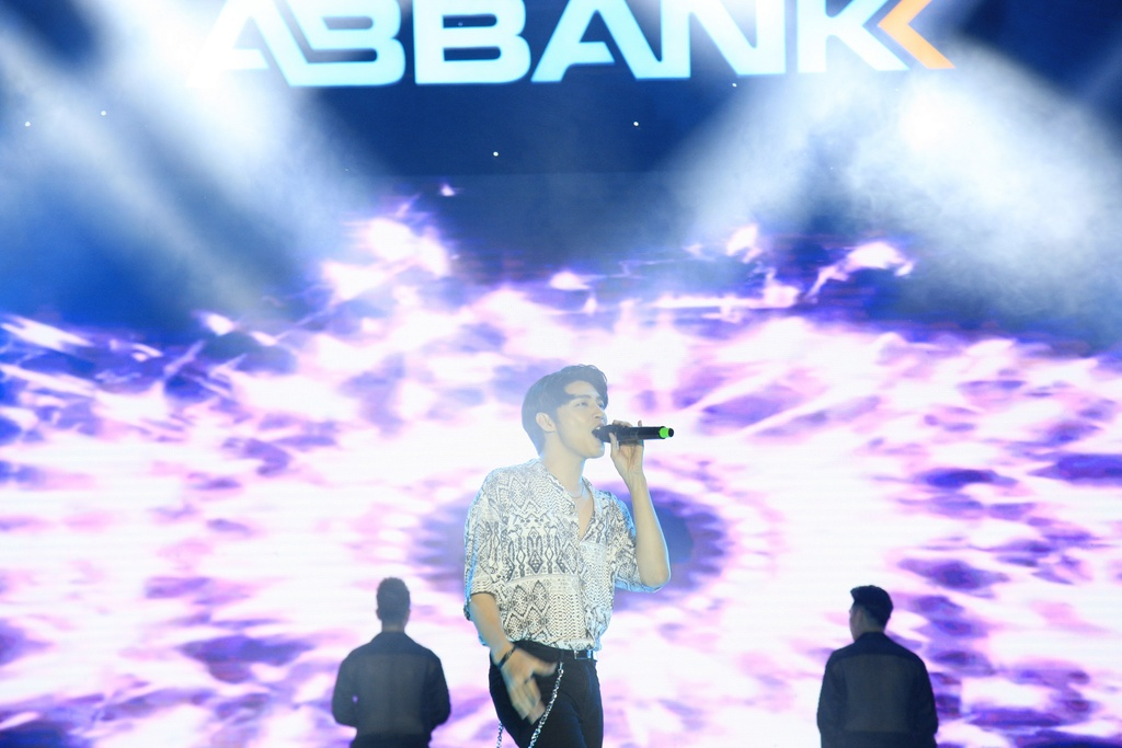 ABbank anh 3