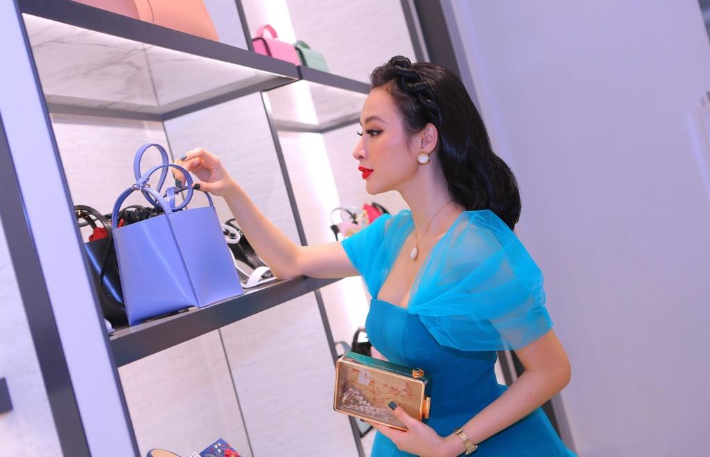 Angela Phuong Trinh dien dam cong chua thanh lich du su kien hinh anh 2