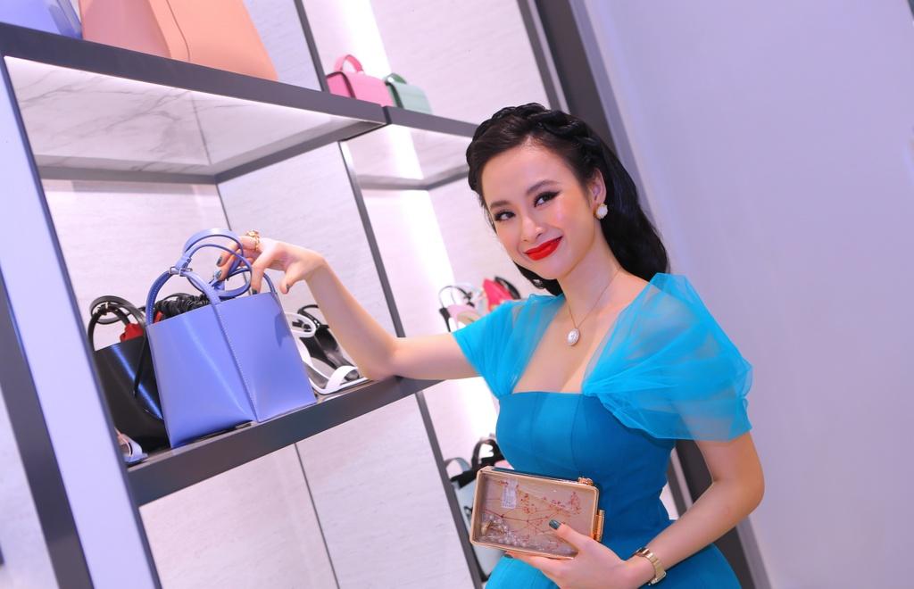 Angela Phuong Trinh dien dam cong chua thanh lich du su kien hinh anh 3