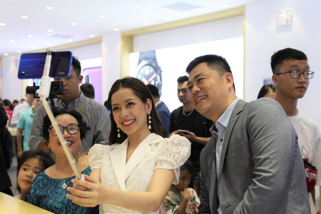 Huawei khai truong cua hang trai nghiem dau tien tai Viet Nam hinh anh 6