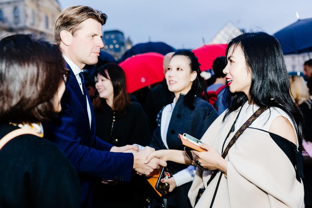 CEO Elise duoc Louis Vuitton moi du show xuan he hinh anh 7