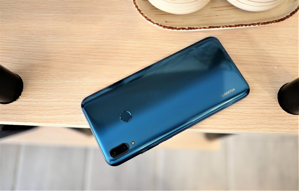 Huawei Y9 2019 anh 3