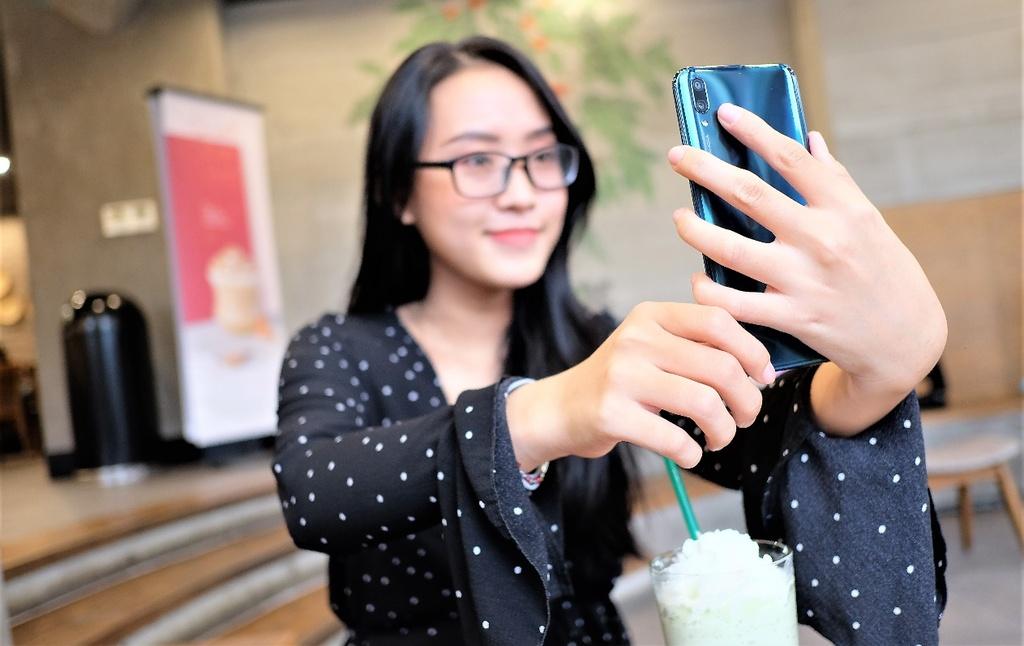 Huawei Y9 2019 anh 8