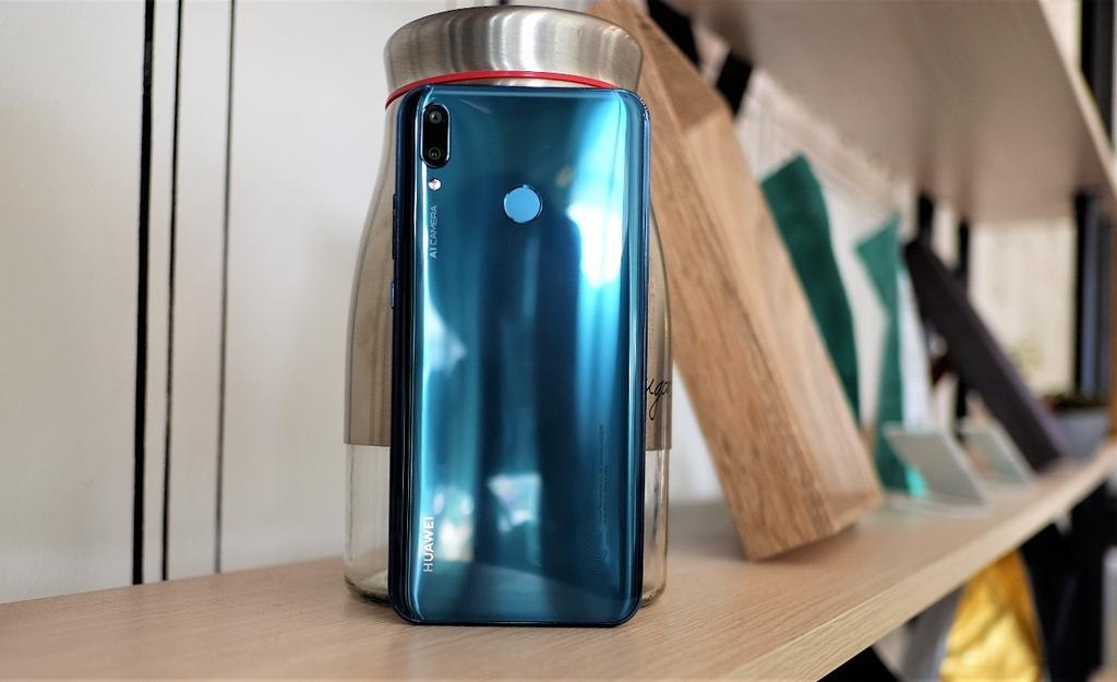 Huawei Y9 2019 anh 9