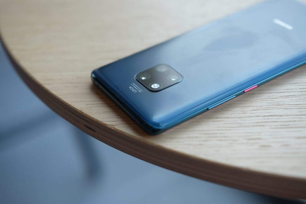 Ban biet gi ve 'ong trum' smartphone Huawei Mate 20 Pro? hinh anh 1