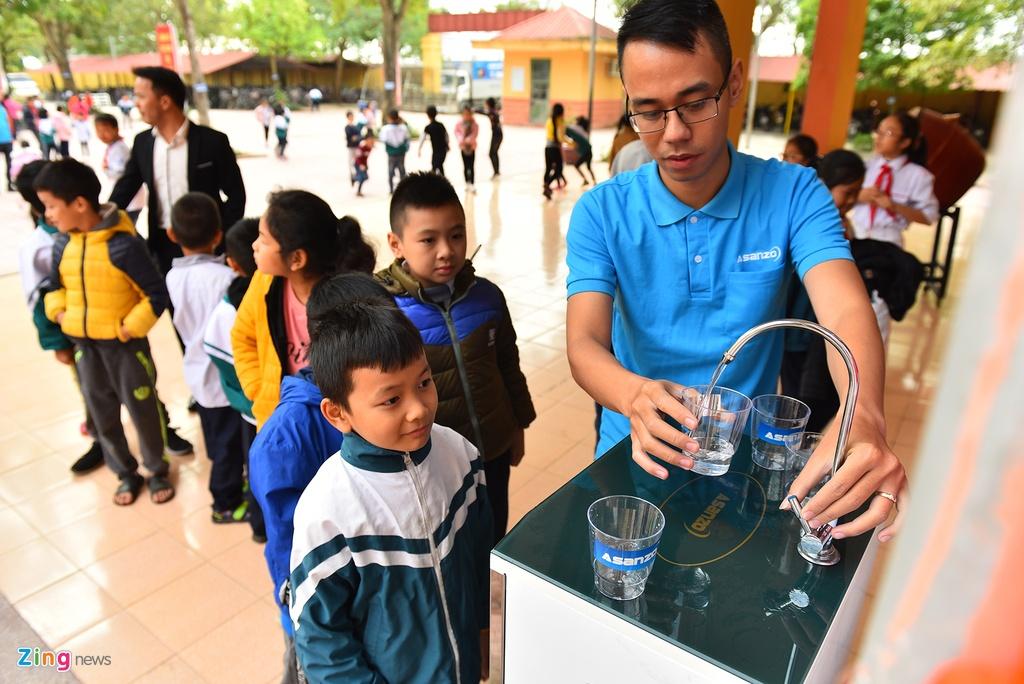 Nhờ Quang Hải, hàng nghìn em nhỏ được uống nước sạch miễn phí – Thời sự